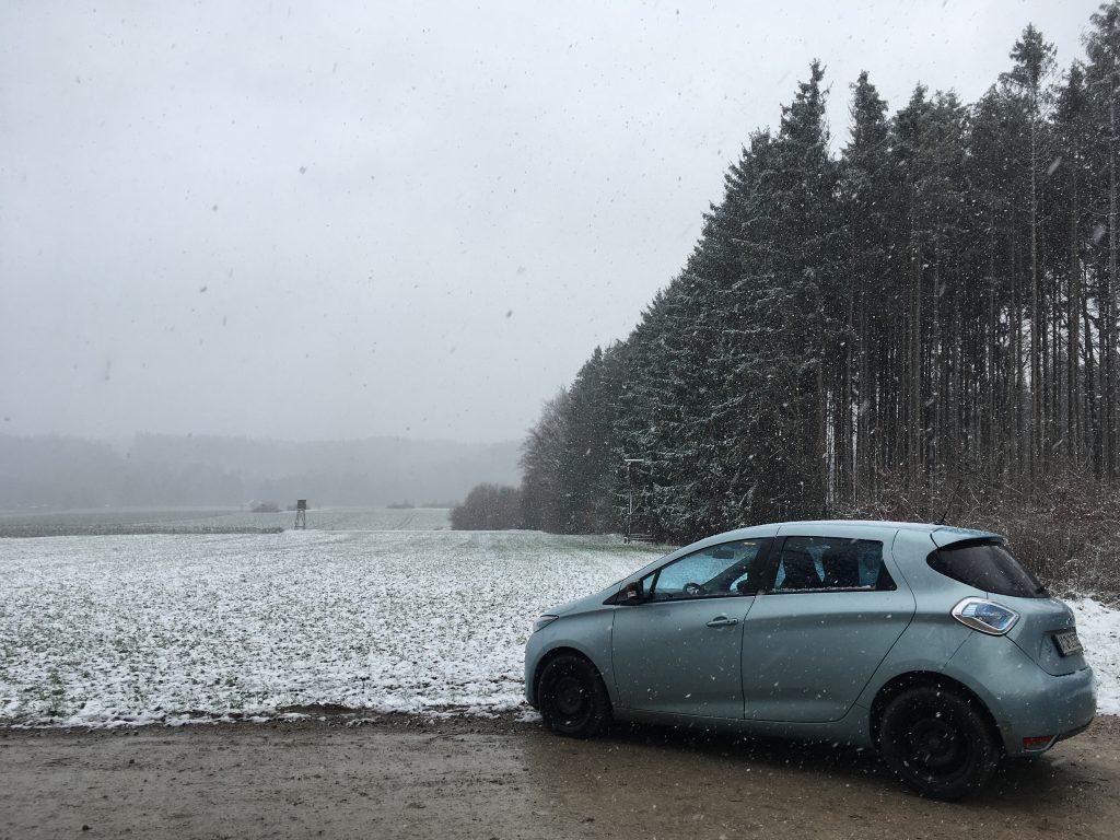 Renault Zoe im Schnee
